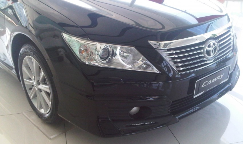 Toyota Camry XV50 snapped with aerokit at showrooms Image #109525