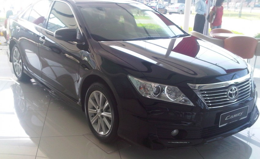 Toyota Camry XV50 snapped with aerokit at showrooms Image #109527