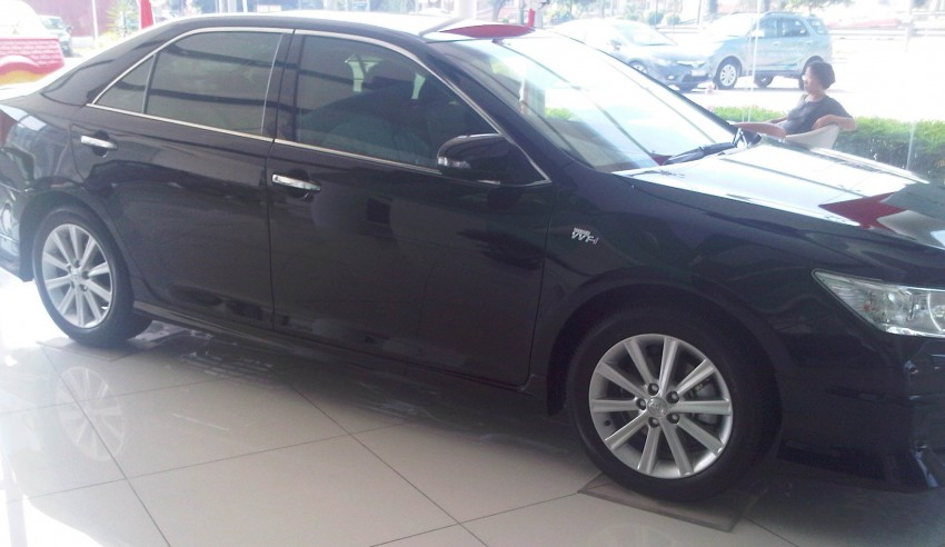 Toyota Camry XV50 snapped with aerokit at showrooms Image #109528