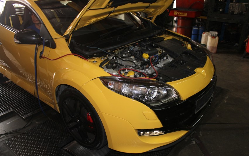 Stock Renault Megane RS 250 Cup makes almost 300hp! Image #74796