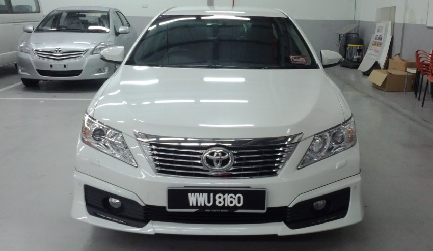 Toyota Camry XV50 snapped with aerokit at showrooms Image #109515