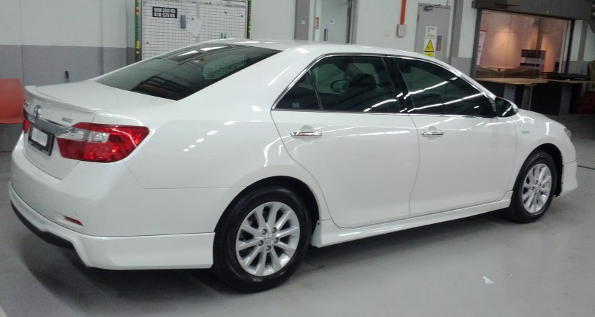 Toyota Camry XV50 snapped with aerokit at showrooms Image #109516