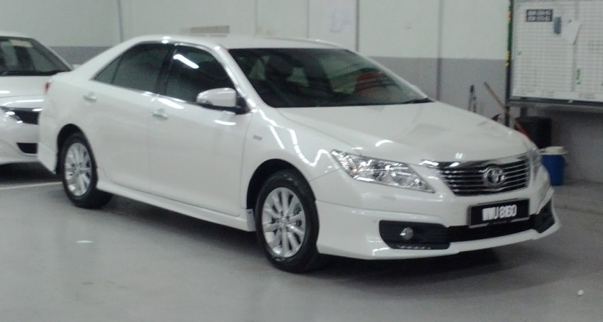 Toyota Camry XV50 snapped with aerokit at showrooms Image #109517