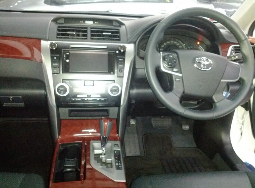Toyota Camry XV50 snapped with aerokit at showrooms Image #109520