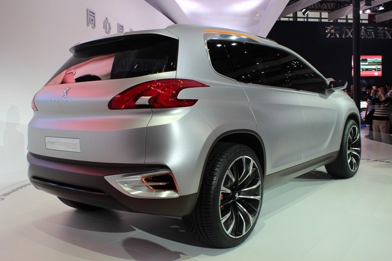 Peugeot Urban Crossover Concept hints at the future Image #102716