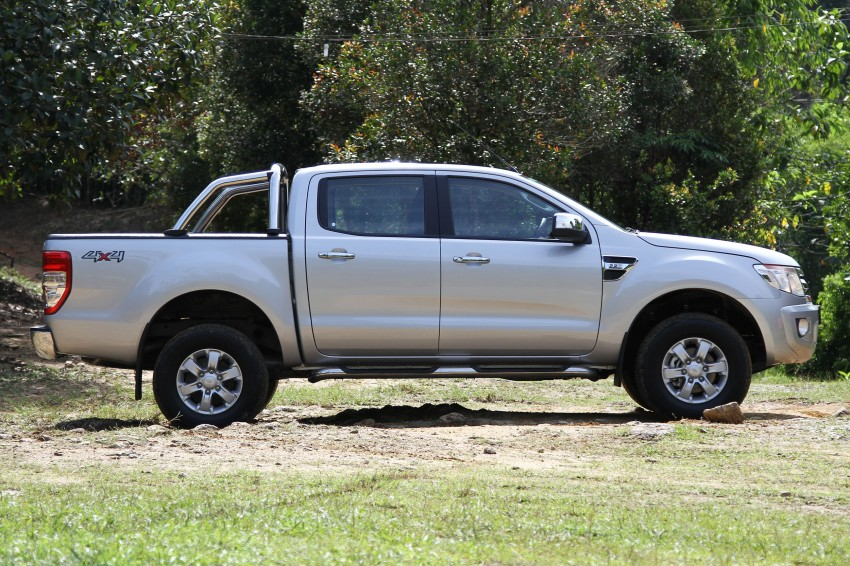 TESTED: Ford Ranger XLT 2.2 Manual driven in all jungles – the concrete one and the green-muddy one Image #116845