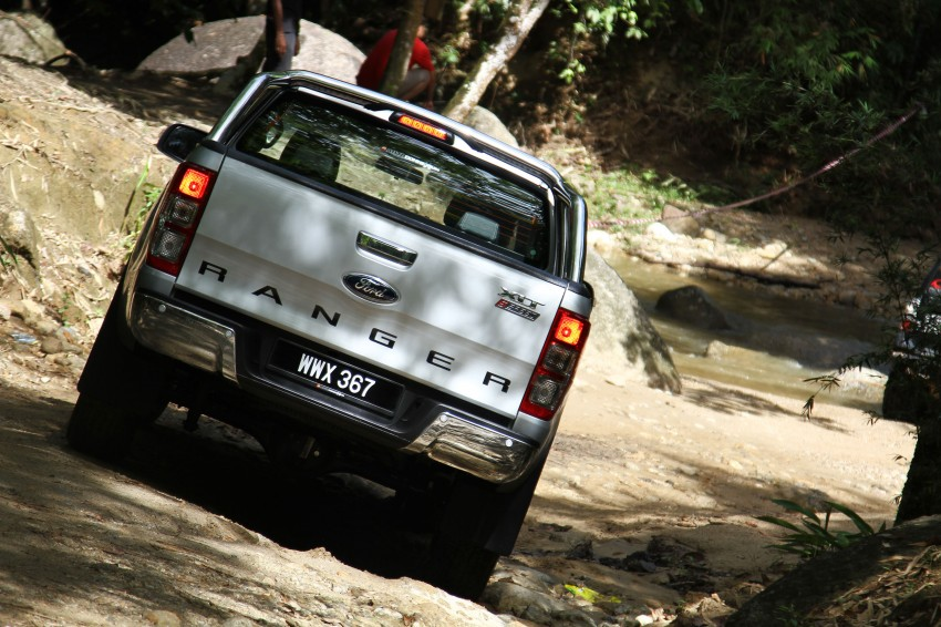 TESTED: Ford Ranger XLT 2.2 Manual driven in all jungles – the concrete one and the green-muddy one Image #116820