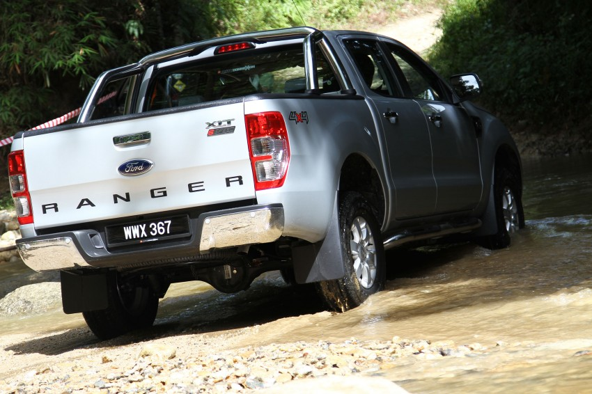 TESTED: Ford Ranger XLT 2.2 Manual driven in all jungles – the concrete one and the green-muddy one Image #116823