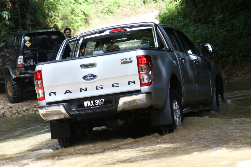 TESTED: Ford Ranger XLT 2.2 Manual driven in all jungles – the concrete one and the green-muddy one Image #116825