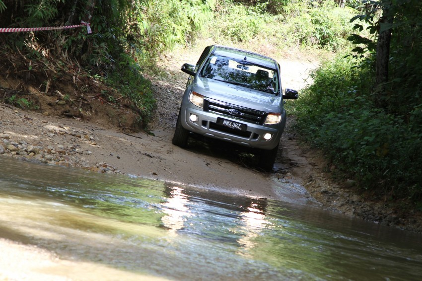 TESTED: Ford Ranger XLT 2.2 Manual driven in all jungles – the concrete one and the green-muddy one Image #116827