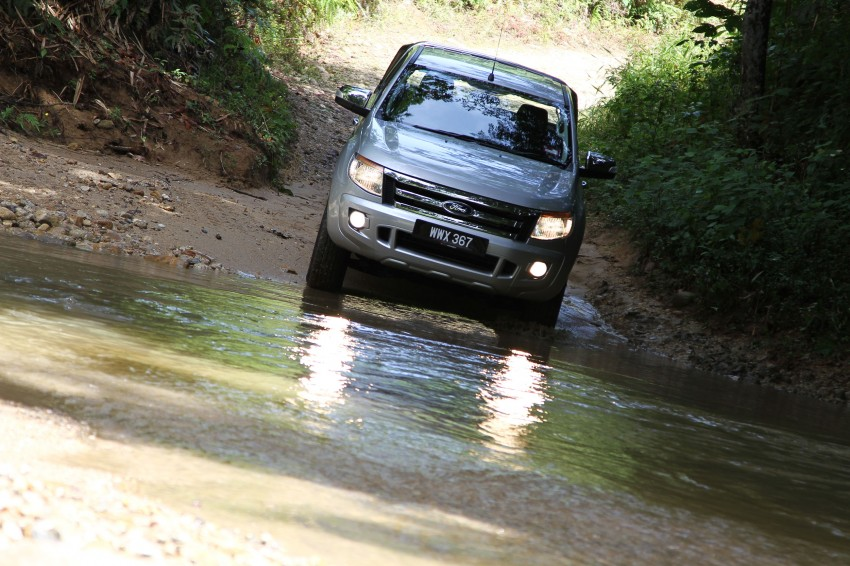 TESTED: Ford Ranger XLT 2.2 Manual driven in all jungles – the concrete one and the green-muddy one Image #116828