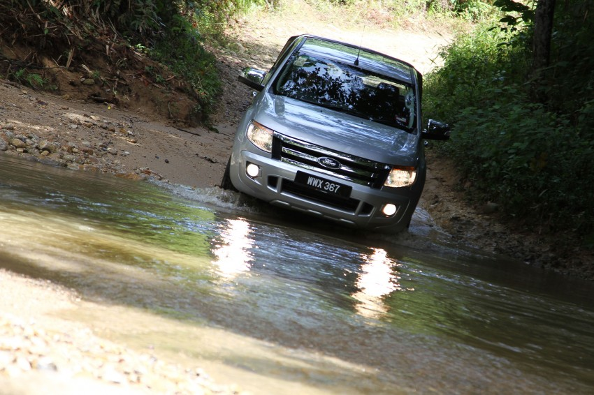 TESTED: Ford Ranger XLT 2.2 Manual driven in all jungles – the concrete one and the green-muddy one Image #116829