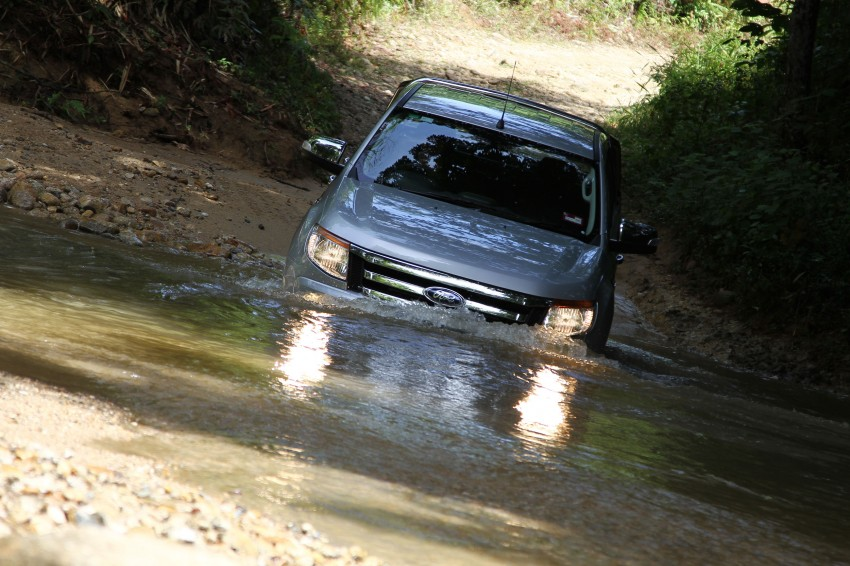 TESTED: Ford Ranger XLT 2.2 Manual driven in all jungles – the concrete one and the green-muddy one Image #116832
