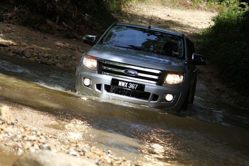 TESTED: Ford Ranger XLT 2.2 Manual driven in all jungles – the concrete one and the green-muddy one Image #116835