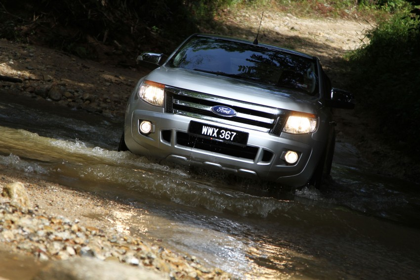 TESTED: Ford Ranger XLT 2.2 Manual driven in all jungles – the concrete one and the green-muddy one Image #116836
