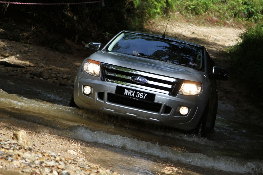 TESTED: Ford Ranger XLT 2.2 Manual driven in all jungles – the concrete one and the green-muddy one Image #116837