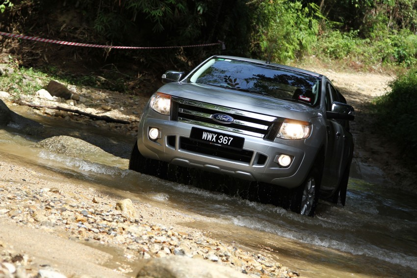 TESTED: Ford Ranger XLT 2.2 Manual driven in all jungles – the concrete one and the green-muddy one Image #116838
