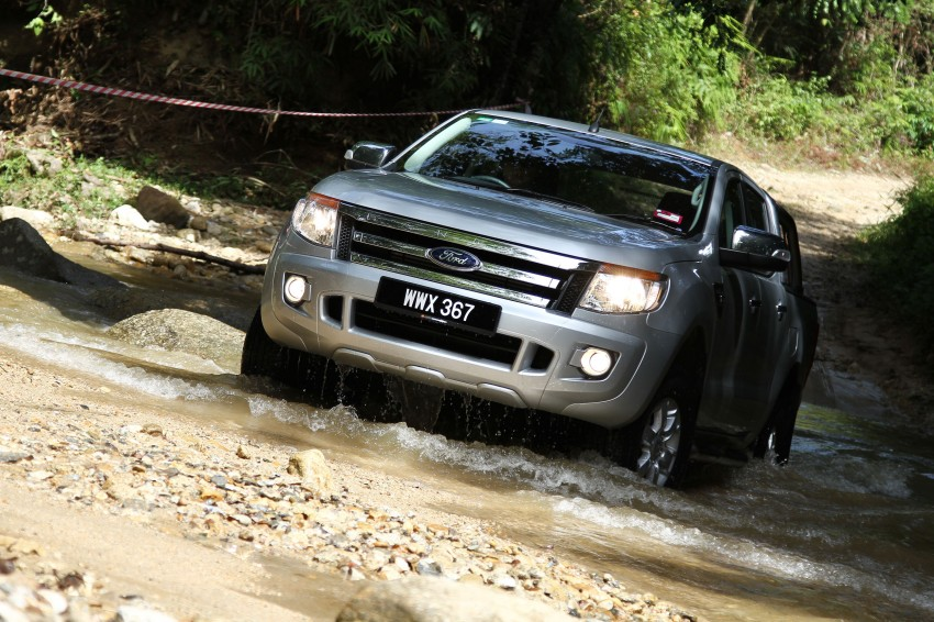 TESTED: Ford Ranger XLT 2.2 Manual driven in all jungles – the concrete one and the green-muddy one Image #116839