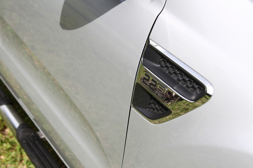 TESTED: Ford Ranger XLT 2.2 Manual driven in all jungles – the concrete one and the green-muddy one Image #116857