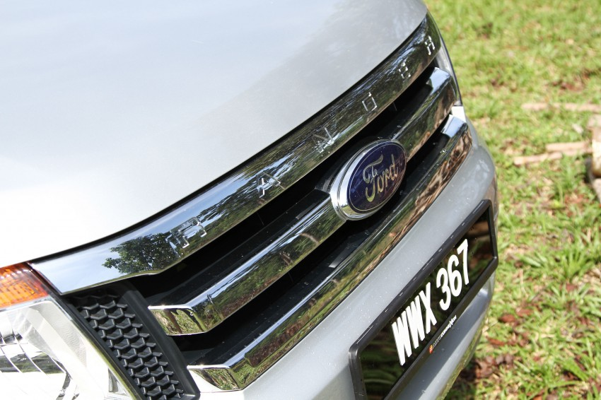 TESTED: Ford Ranger XLT 2.2 Manual driven in all jungles – the concrete one and the green-muddy one Image #116858