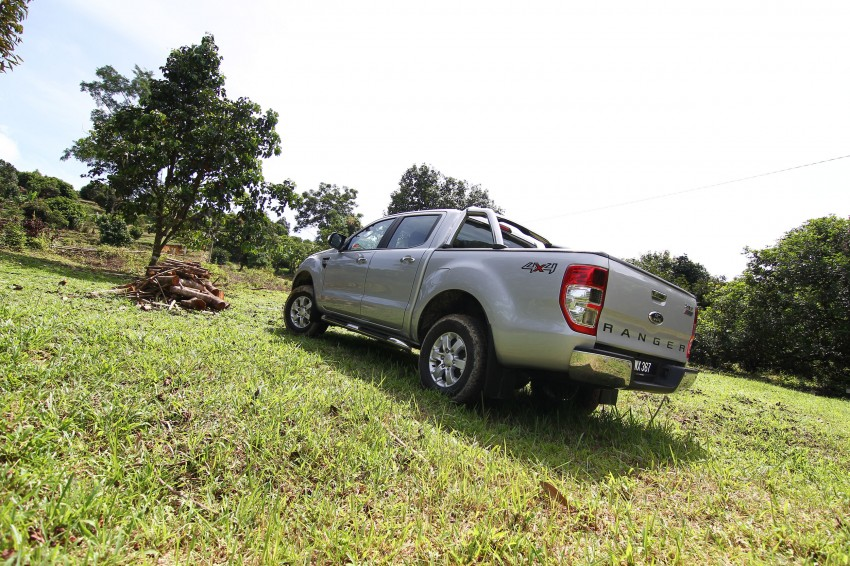 TESTED: Ford Ranger XLT 2.2 Manual driven in all jungles – the concrete one and the green-muddy one Image #116853
