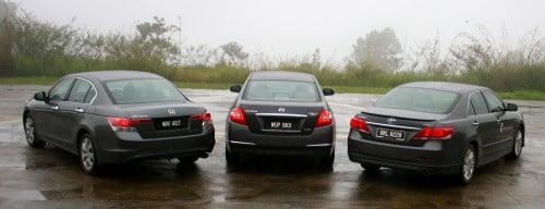 Сравнительный тест Toyota Camry, KIA Optima и Nissan