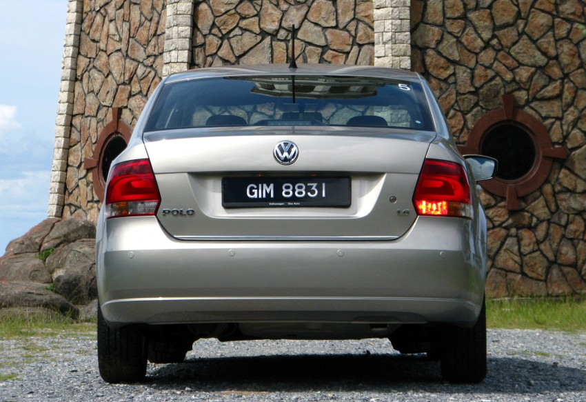 DRIVEN: Volkswagen Polo Sedan 1.6 tested! Image #103890
