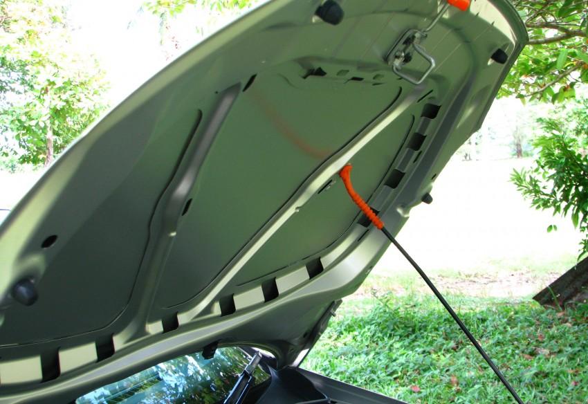 DRIVEN: Volkswagen Polo Sedan 1.6 tested! Image #103903