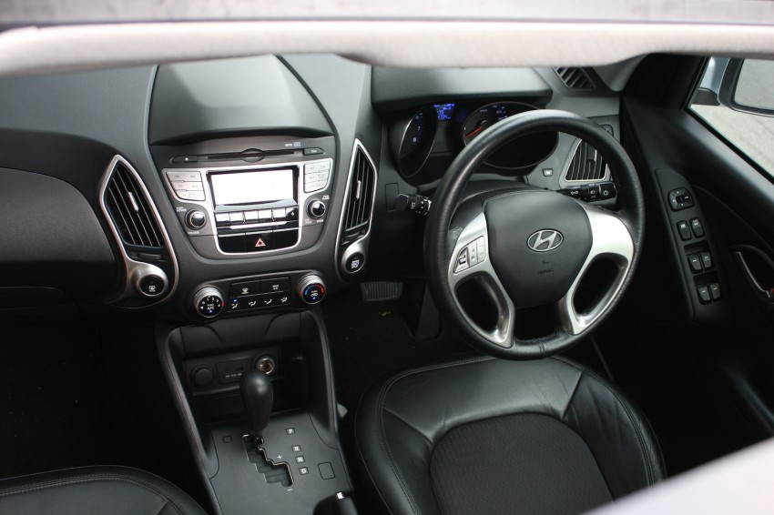 SUV shootout: Mitsubishi ASX vs Nissan X-Trail vs Honda CR-V vs Hyundai Tucson vs Peugeot 3008! Image #80743