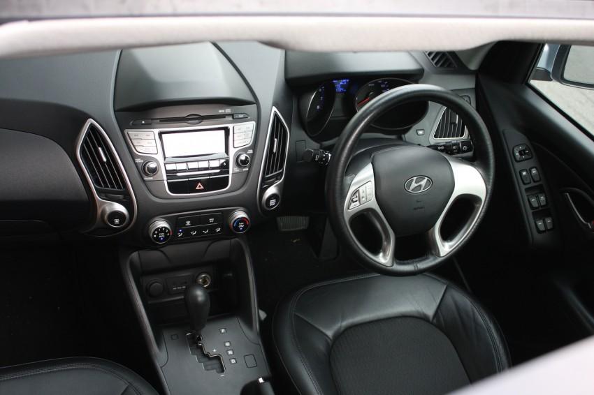 SUV shootout: Mitsubishi ASX vs Nissan X-Trail vs Honda CR-V vs Hyundai Tucson vs Peugeot 3008! Image #154321