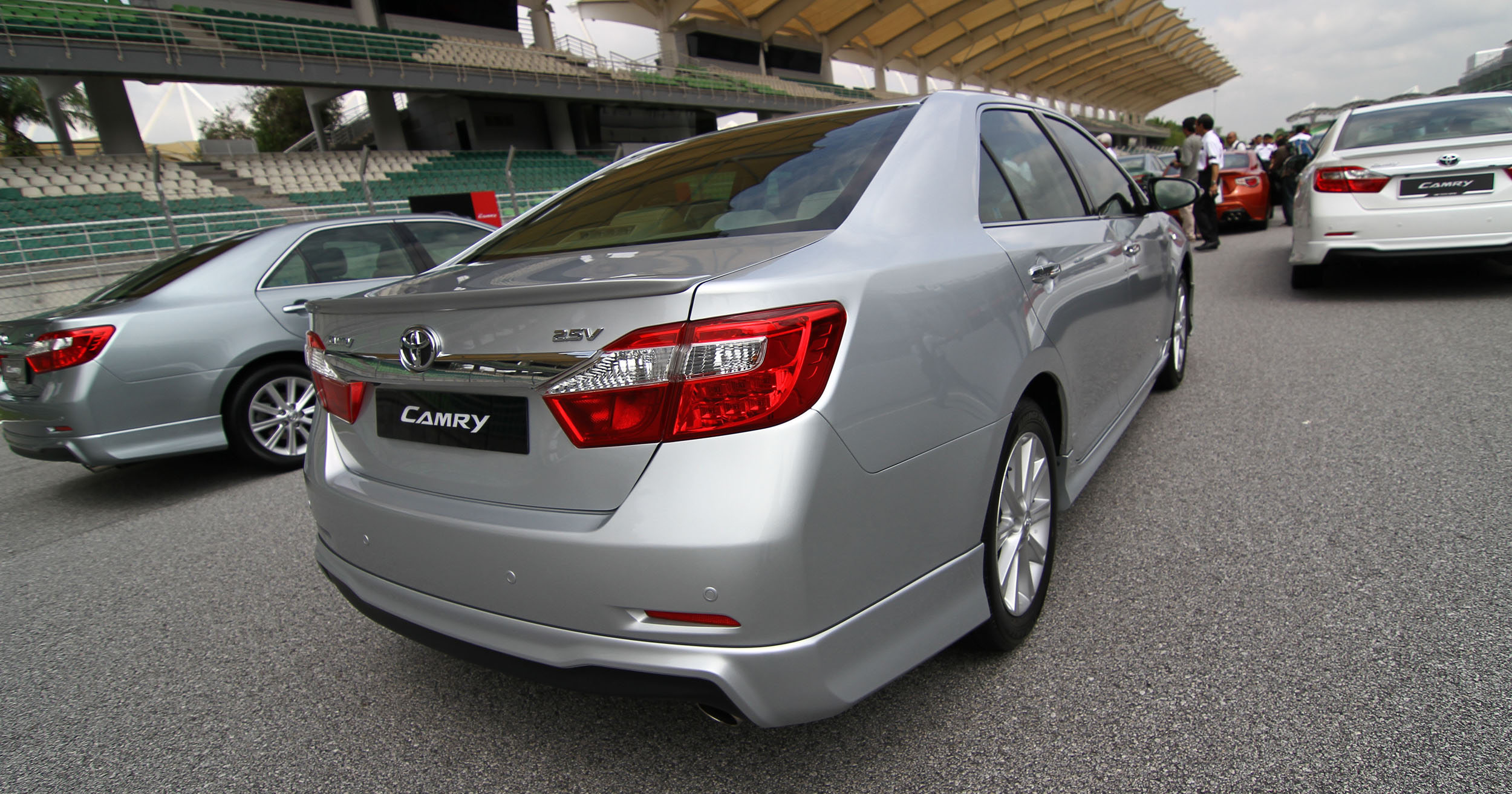 toyota camry xv50 launched rm150k to rm181k image 109830. Black Bedroom Furniture Sets. Home Design Ideas