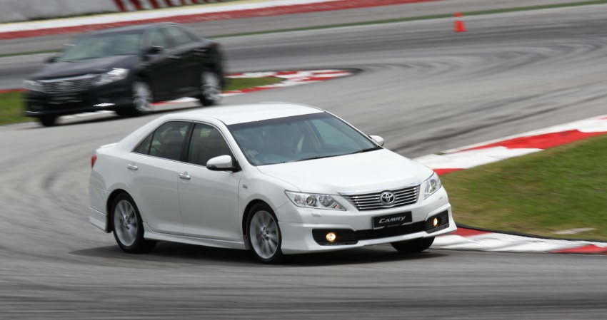 Toyota Camry XV50 – a brief test session at the SIC Image #109971