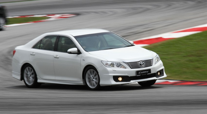 Toyota Camry XV50 – a brief test session at the SIC Image #109972