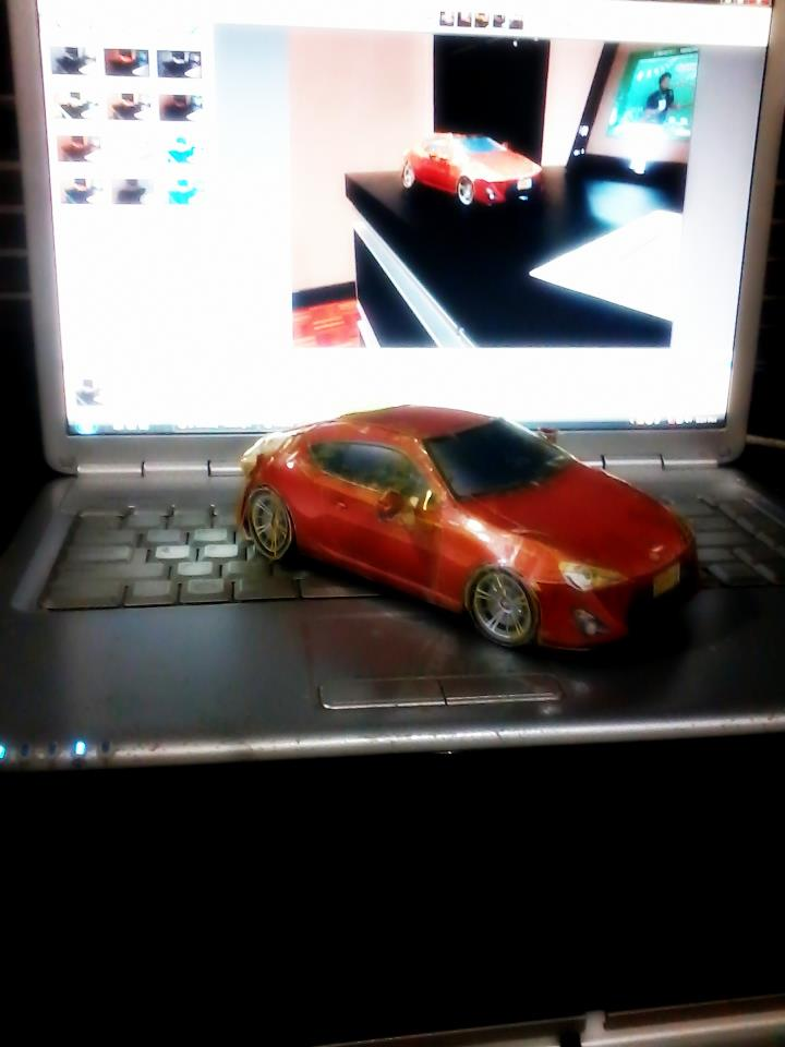 Toyota 86 assembled. Photo taken. Prize will be won. Image #104261