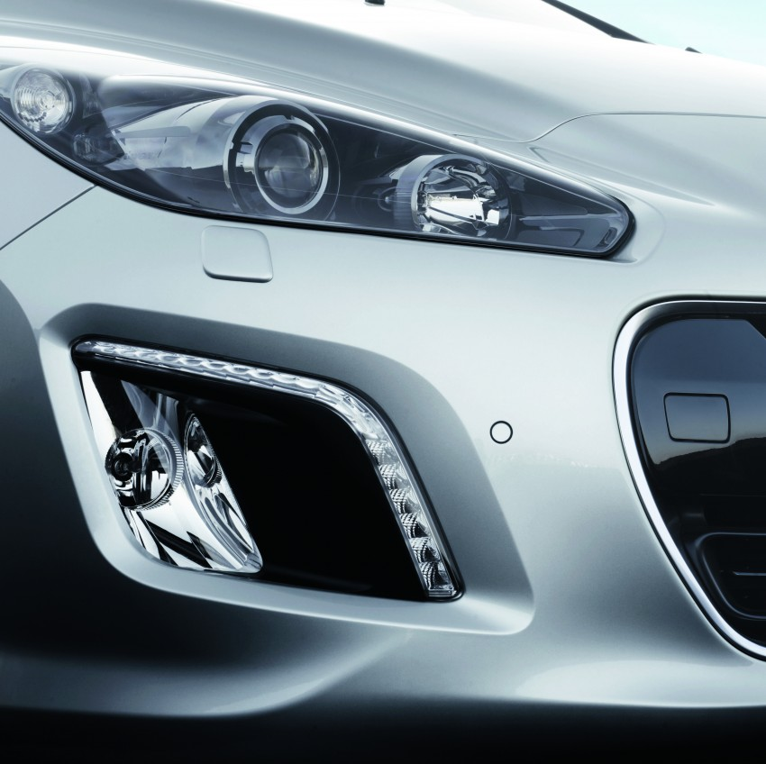 Peugeot 308 gets new look and features, from RM102k Image #116162
