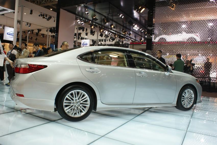 Lexus ES sheds dowdy image, follows the GS' lead Image #103274