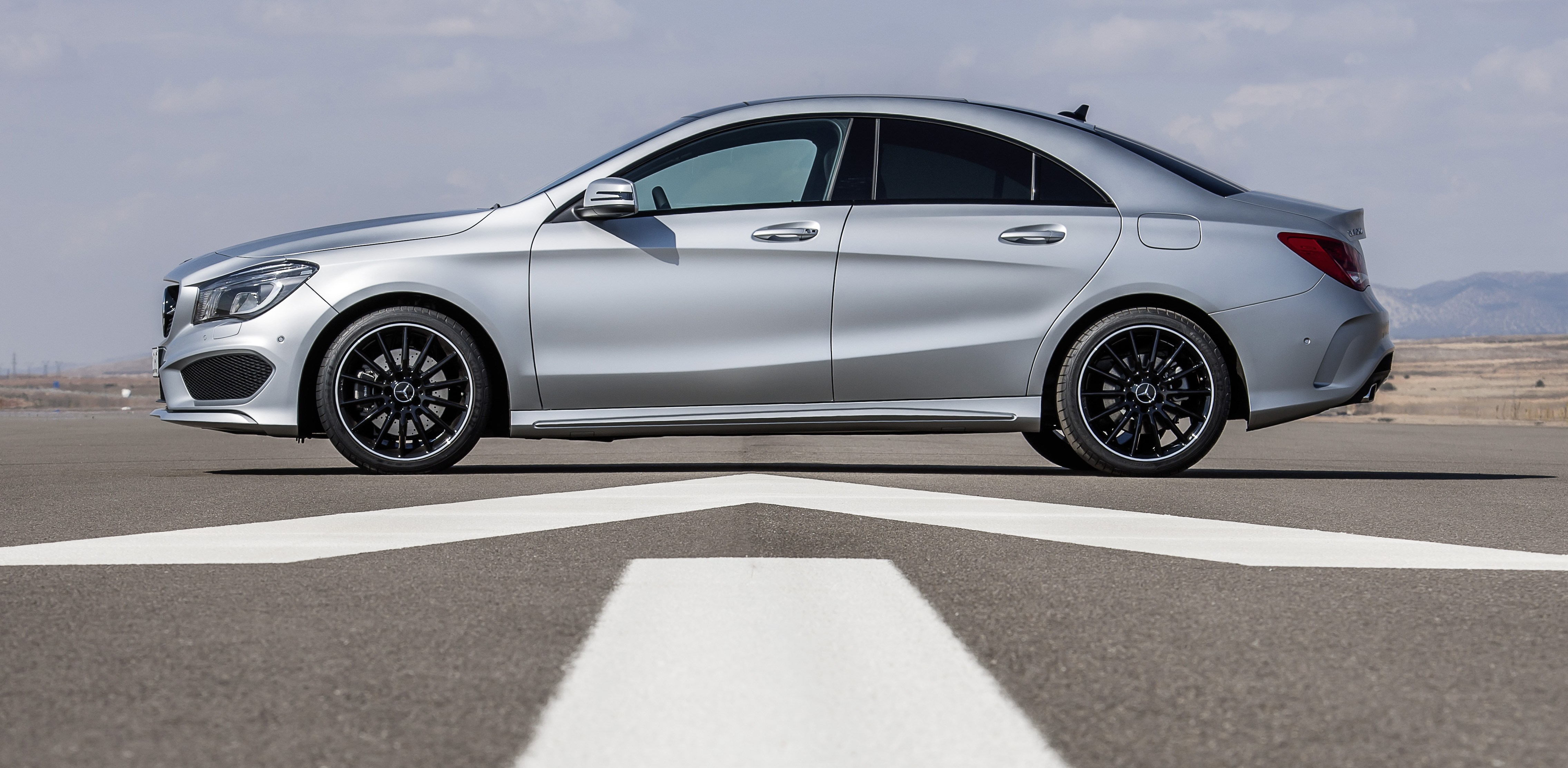 New mercedes benz cla class makes its debut image 149610 for Mercedes benz cla vs c class