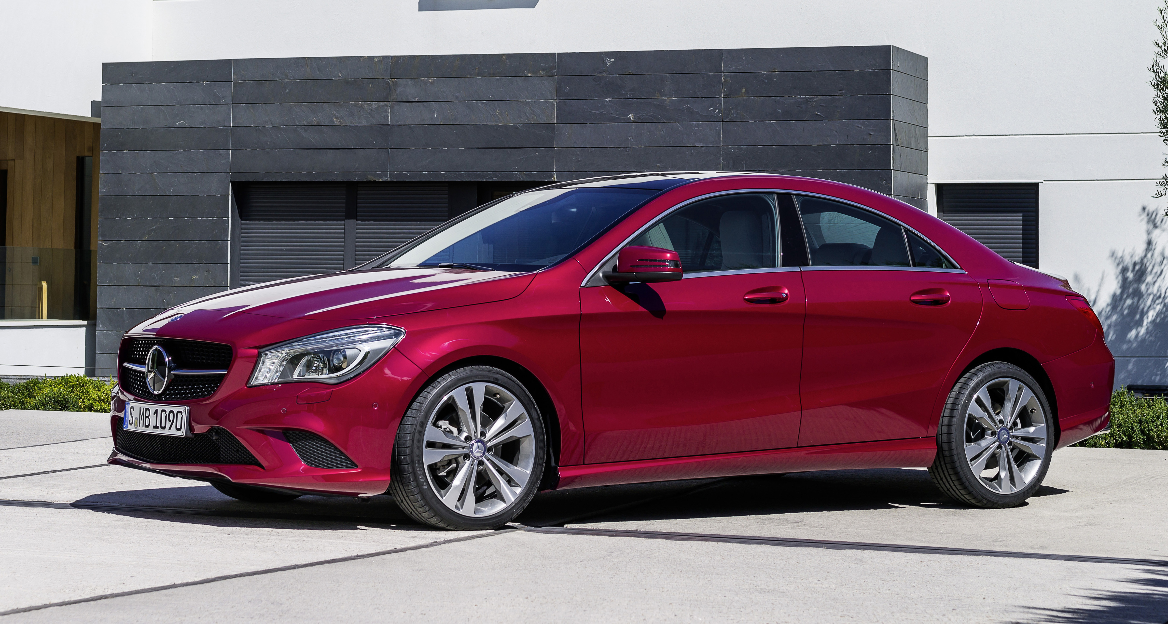 New mercedes benz cla class makes its debut image 149618 for New mercedes benz cla