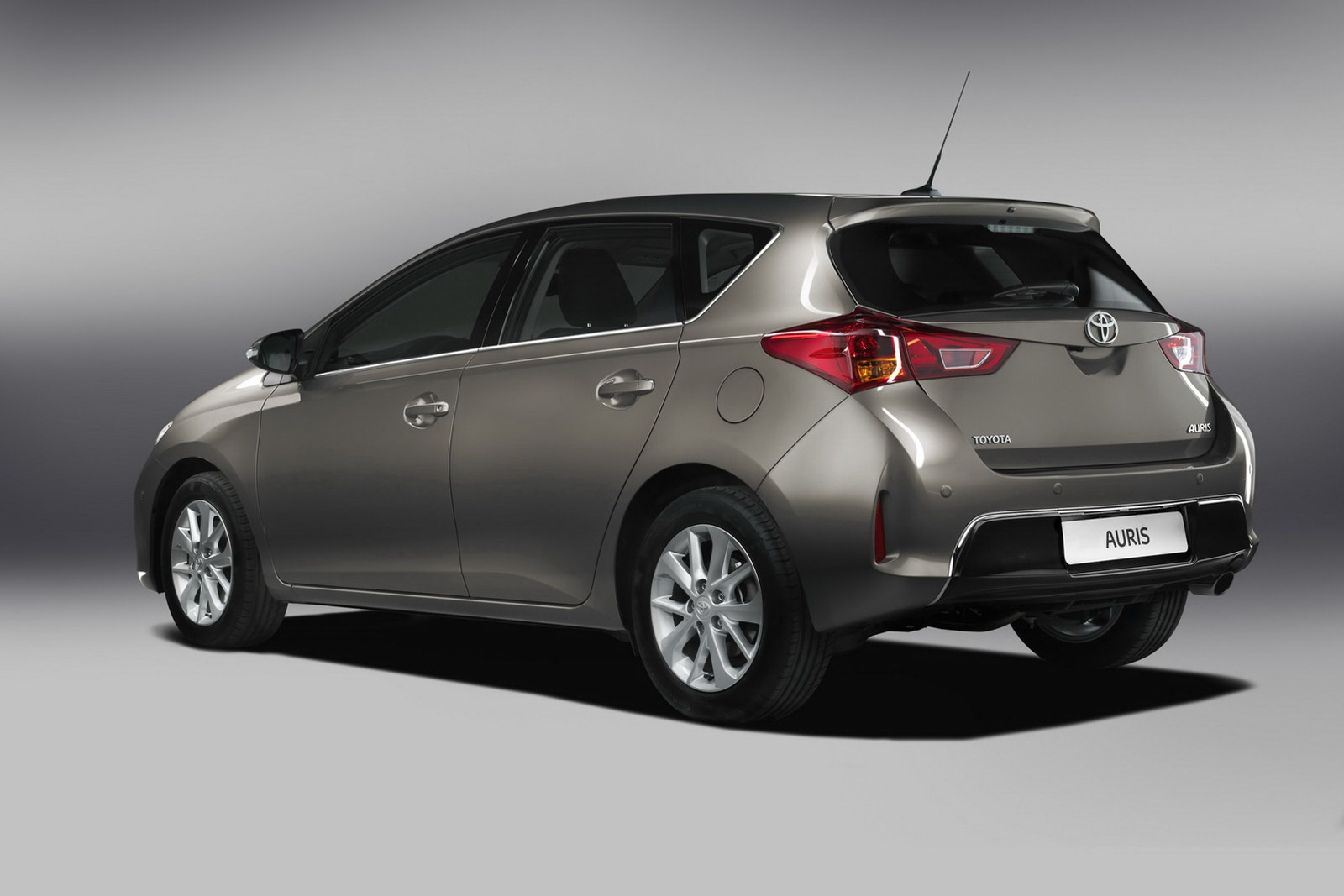 2013 toyota auris c segment hatchback unveiled image 126253. Black Bedroom Furniture Sets. Home Design Ideas