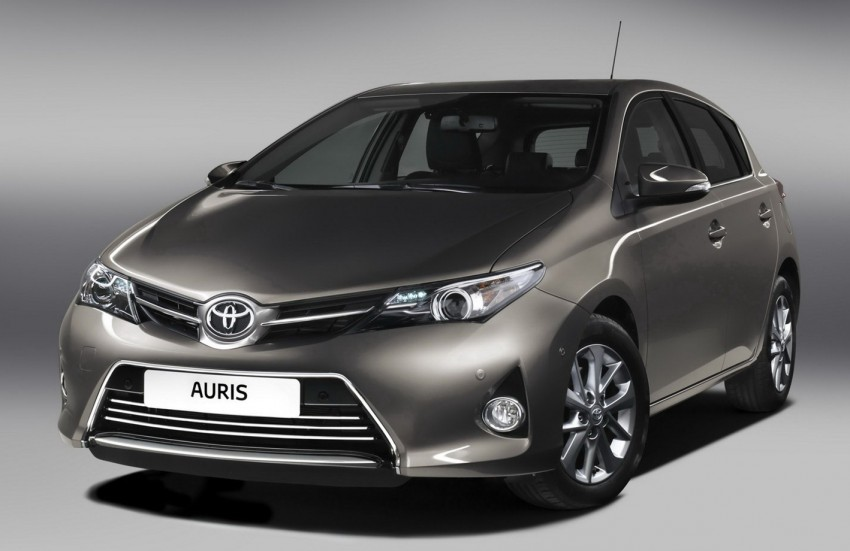 2013 Toyota Auris C-segment hatchback unveiled! Image #126260