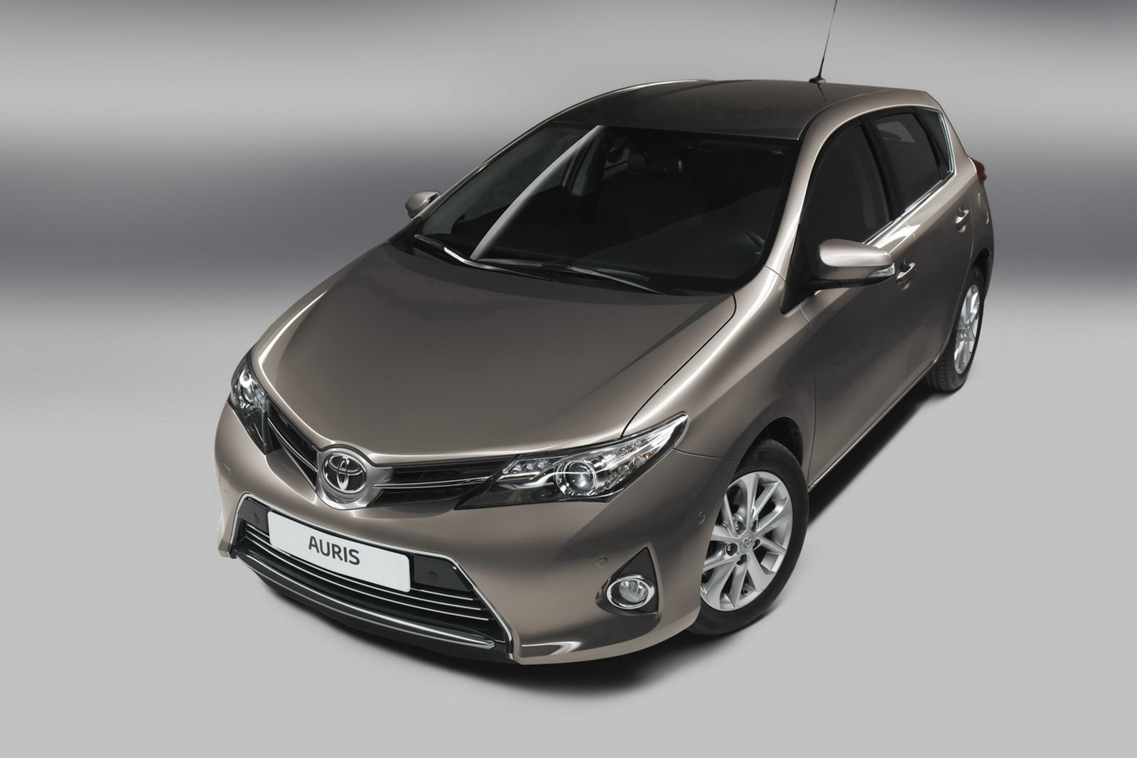 2013 toyota auris c segment hatchback unveiled image 126256. Black Bedroom Furniture Sets. Home Design Ideas