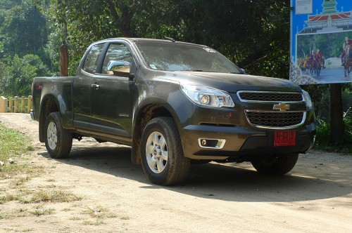 chevrolet colorado test drive report from chiang rai. Black Bedroom Furniture Sets. Home Design Ideas