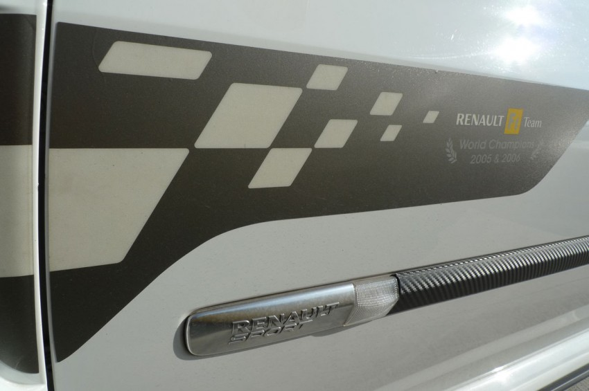 Megane RS 250 shines at exclusive Renault Sport trackday Image #76555