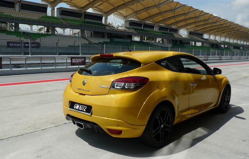Megane RS 250 shines at exclusive Renault Sport trackday Image #76573