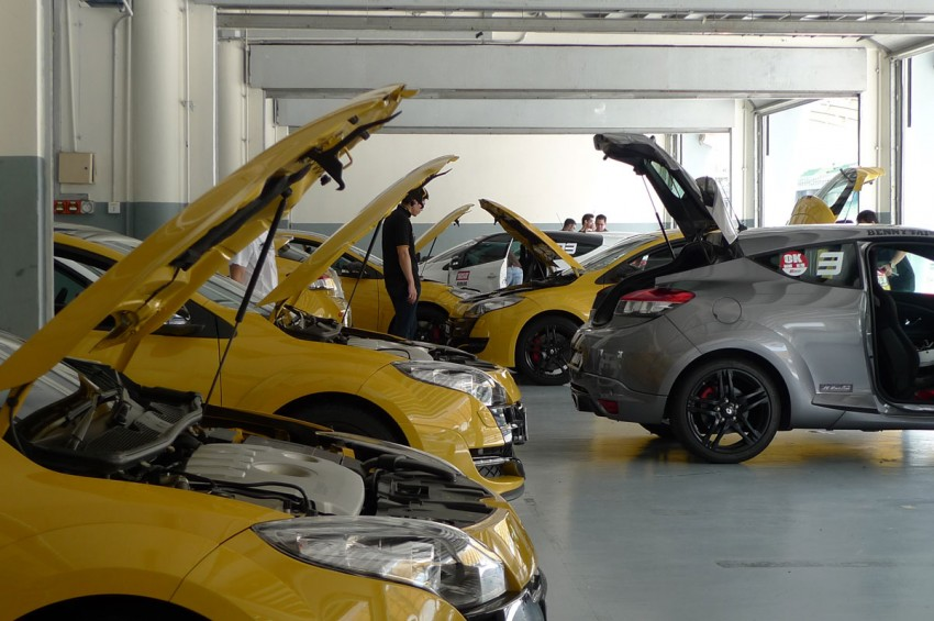 Megane RS 250 shines at exclusive Renault Sport trackday Image #76576