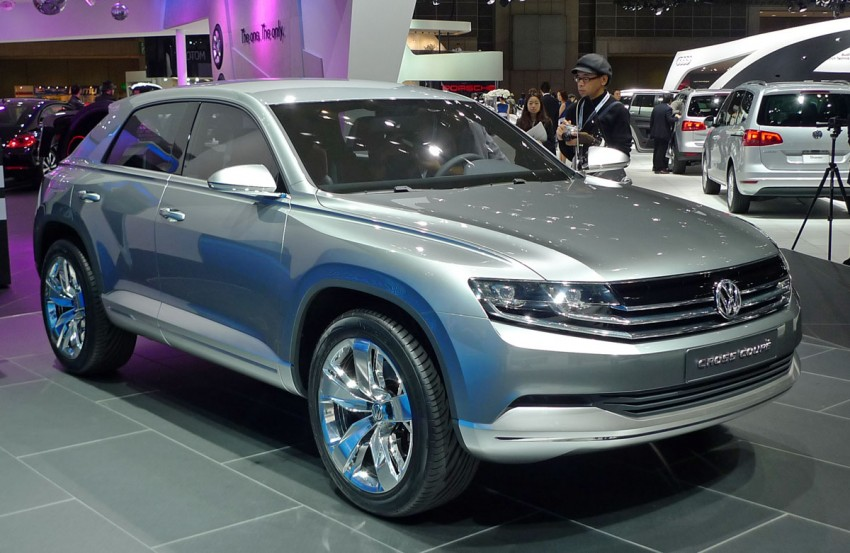 Tokyo 2011: VW Cross Coupe Concept is small but stout Image #78893