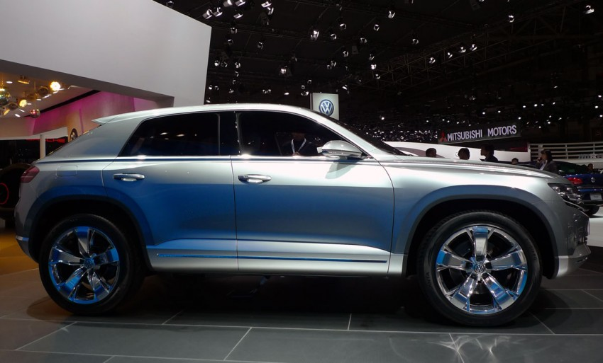 Tokyo 2011: VW Cross Coupe Concept is small but stout Image #78894