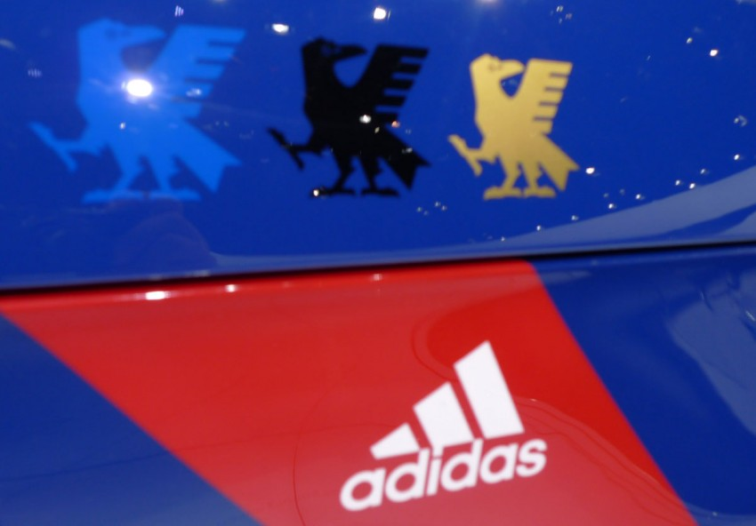LIVE from Tokyo: Audi A1 Samurai Blue for the footie fans Image #78617