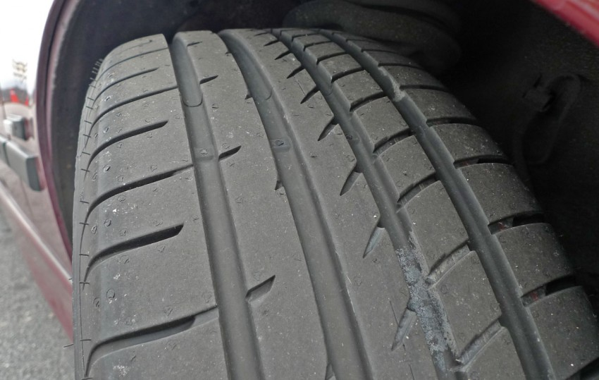 Goodyear Eagle F1 Asymmetric 2 sampled on the road Image #84523