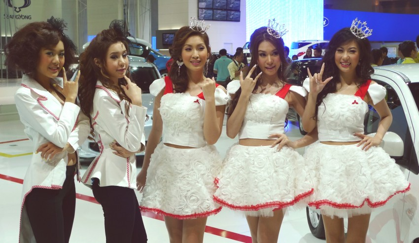 Bangkok Motor Show 2012 – the ladies say hello! Image #96600